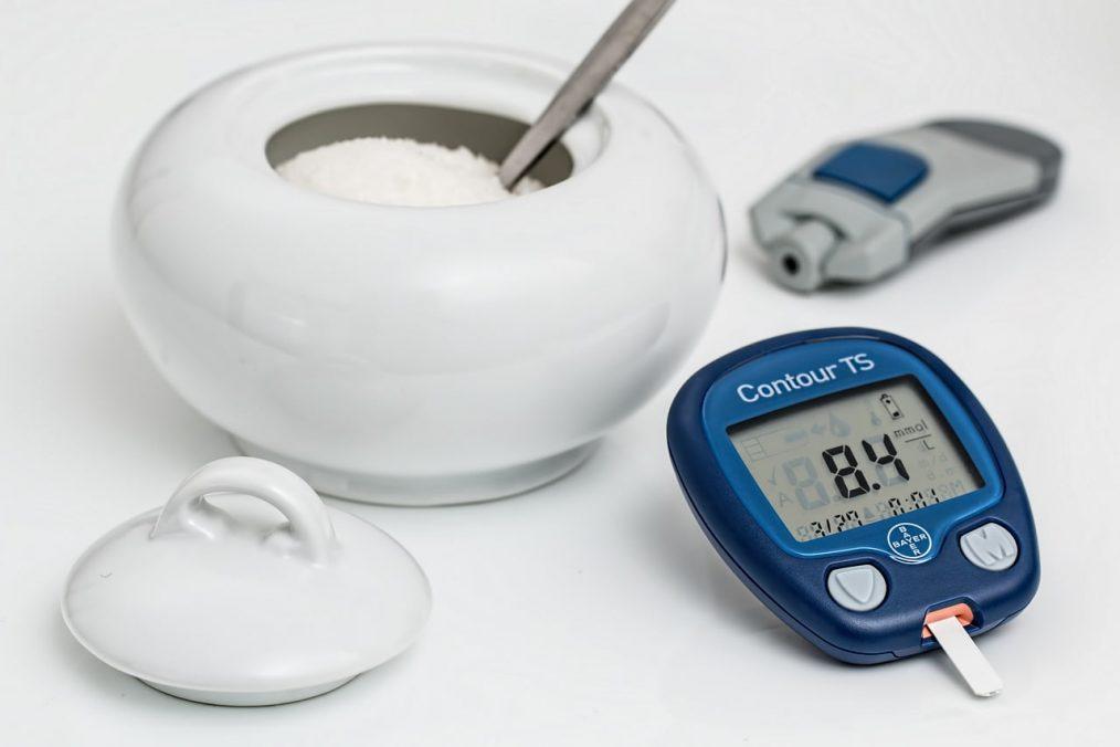 dispositivo para controlar nivel de azúcar en la sangre y azucarera abierta