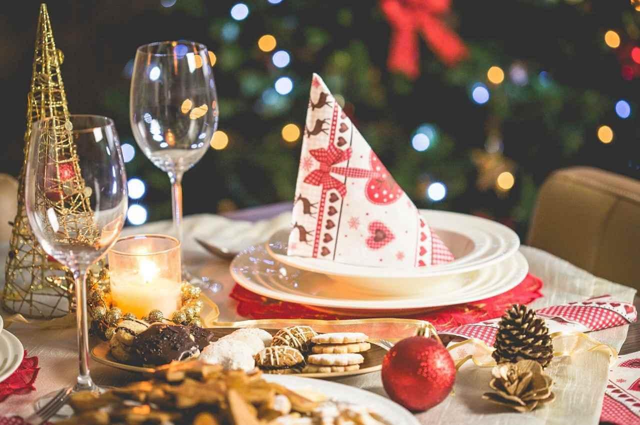 mesa para celebrar fiesta de fin de año