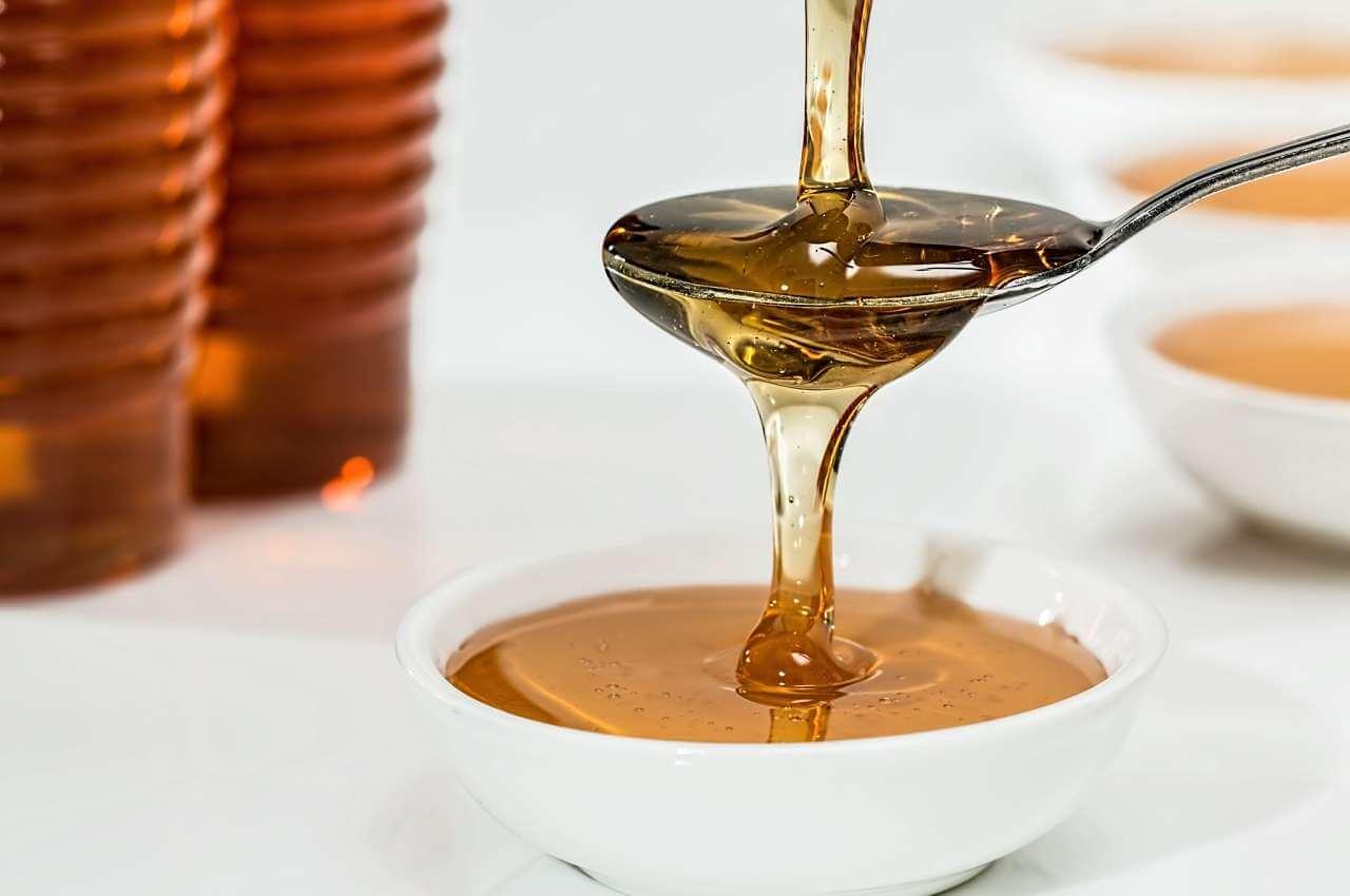 una cucharada de miel nos ayuda para mejorar la salud