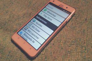 accede a whatsapp en tu celular para hacer vieollamadas