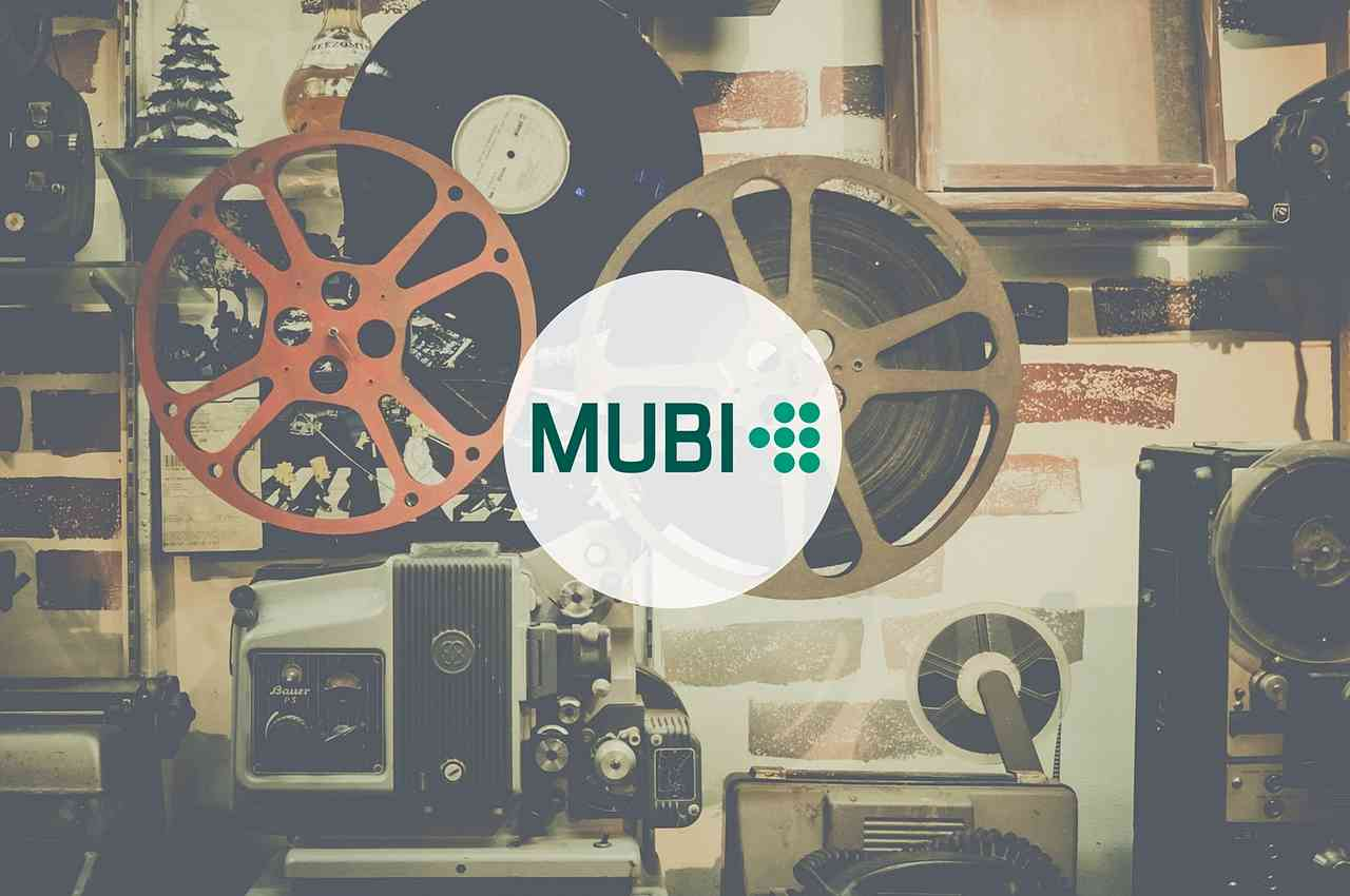 cintas de películas con logo de mubi