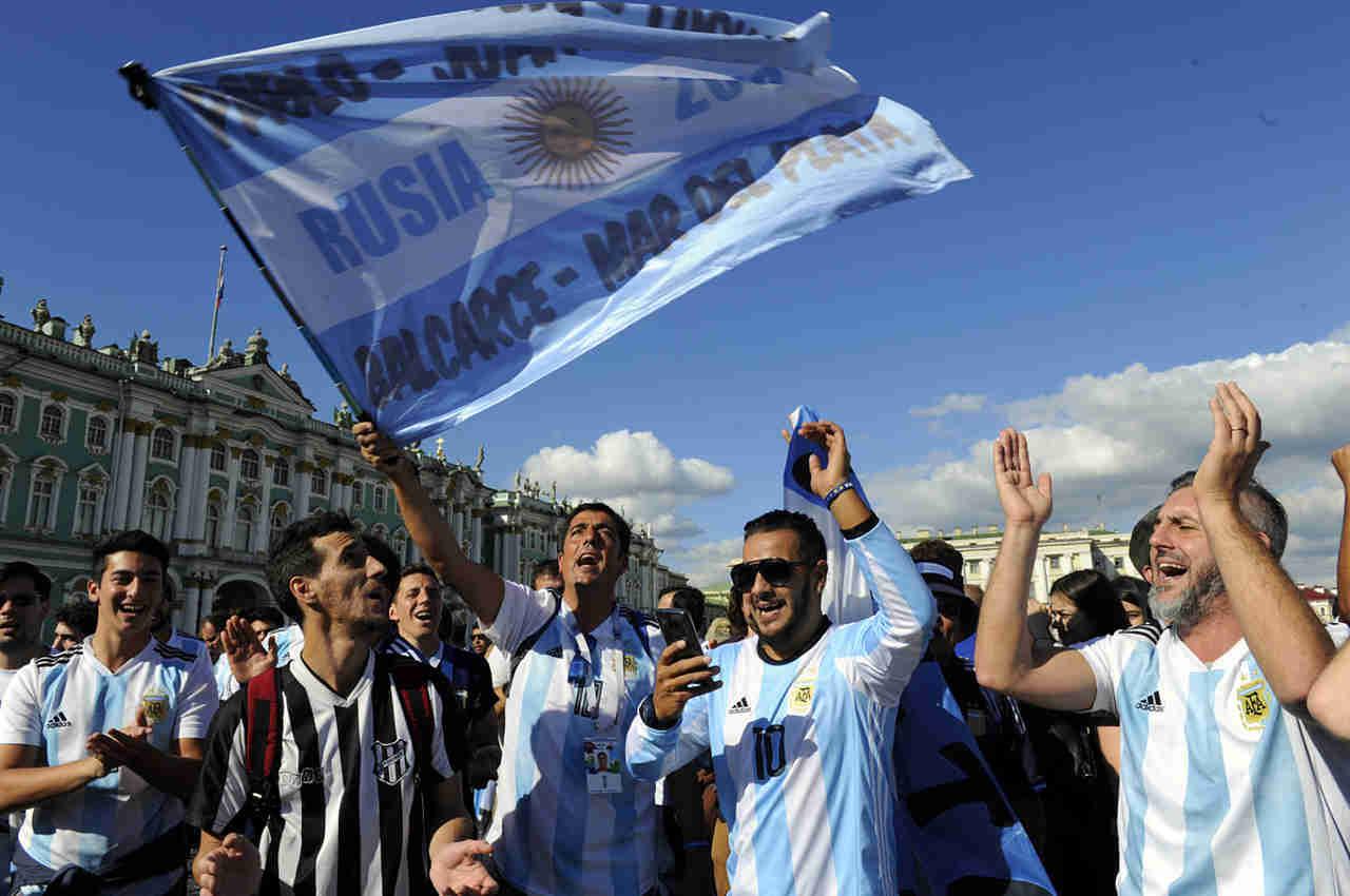 vista de argentinos alentando a su selección