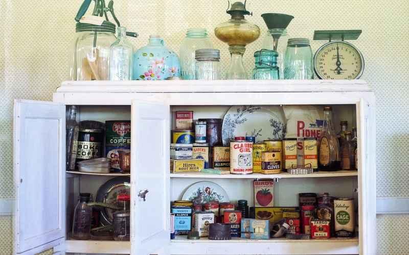 almacenamiento en el mueble de la cocina para ahorrar en cada espacio de la cocina
